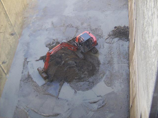 Nettoyage d'un radier d'une écluse
