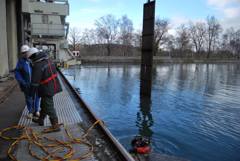 Remplacement de grilles prise d'eau à la centrale de Kembs